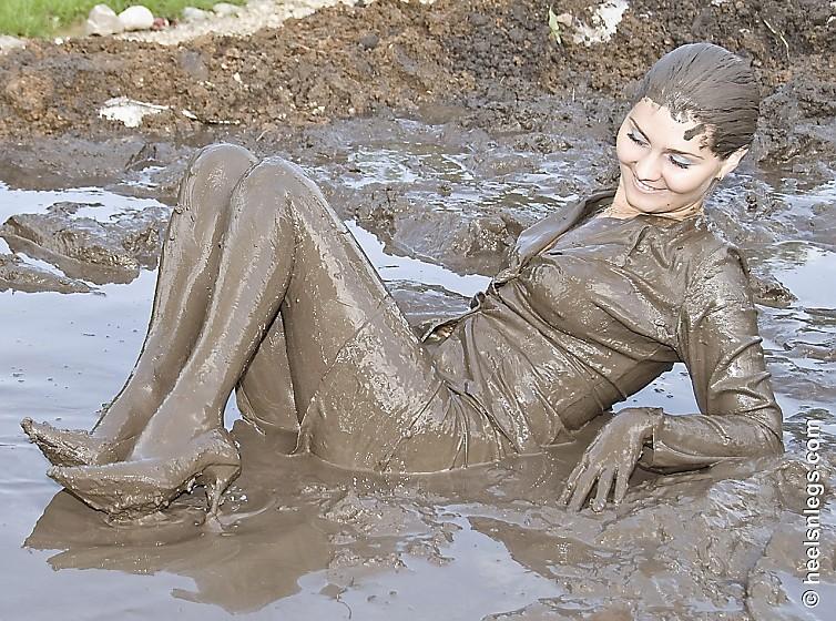 Pantyhose mud stories — 1